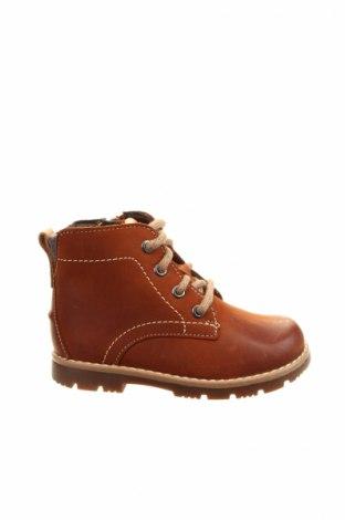 Детски обувки Clarks, Размер 21, Цвят Кафяв, Естествена кожа, Цена 101,32лв.