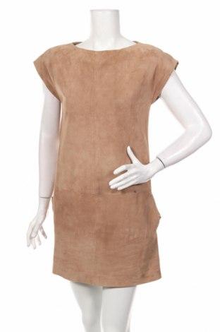 Кожена рокля Elisabetta Franchi, Размер M, Цвят Бежов, Естествен велур, Цена 190,80лв.