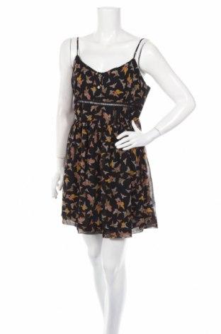 Рокля Ashley Ann, Размер M, Цвят Черен, 100% коприна, Цена 47,97лв.