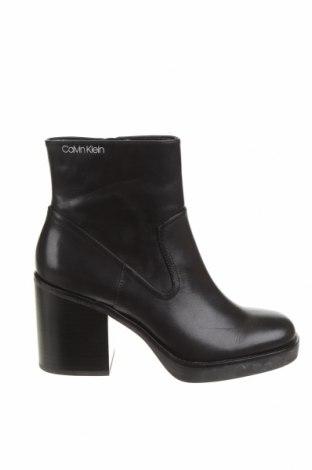 Дамски боти Calvin Klein, Размер 39, Цвят Черен, Естествена кожа, Цена 289,00лв.