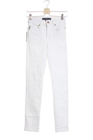 Дамски дънки Victorio & Lucchino, Размер S, Цвят Бял, 98% памук, 2% еластан, Цена 40,28лв.
