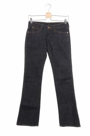 Дамски дънки Wrangler, Размер S, Цвят Син, 98% памук, 2% еластан, Цена 17,48лв.