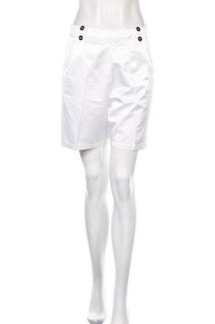 Pantaloni scurți de femei Chervo, Mărime M, Culoare Alb, 55% bumbac, 45% viscoză, Preț 24,71 Lei
