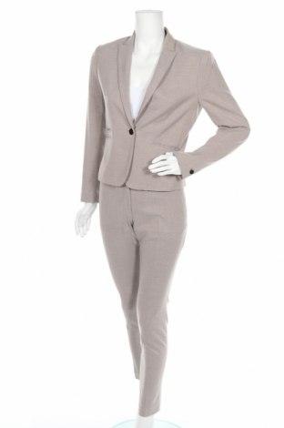 Costum de femei H&M, Mărime M, Culoare Bej, 62% poliester, 36% bumbac, 2% elastan, Preț 154,34 Lei