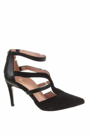 Дамски обувки Tamaris, Размер 40, Цвят Черен, Естествен велур, естествена кожа, Цена 42,57лв.