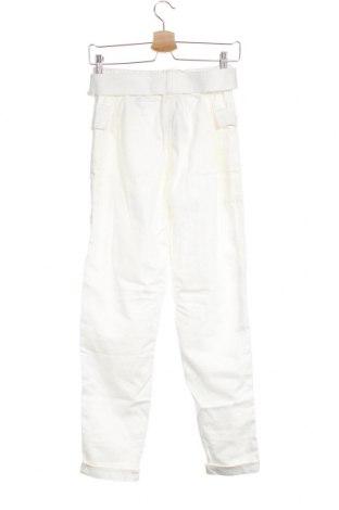 Дамски панталон Bershka, Размер S, Цвят Бял, 61% лиосел, 39% памук, Цена 18,98лв.