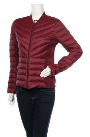 Дамско яке Hollister, Размер S, Цвят Червен, Текстил, пух и пера, Цена 82,95лв.