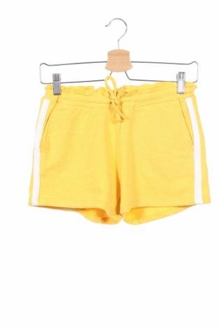 Детски къс панталон Garcia, Размер 11-12y/ 152-158 см, Цвят Жълт, 60% памук, 40% полиестер, Цена 13,86лв.