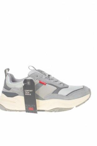 Мъжки обувки Levi's, Размер 40, Цвят Сив, Текстил, естествен велур, еко кожа, Цена 126,75лв.