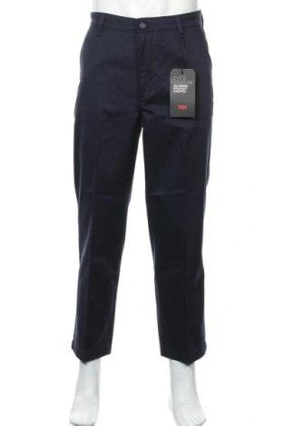 Мъжки панталон Levi's, Размер L, Цвят Син, 59% памук, 40% полиестер, 1% еластан, Цена 25,35лв.