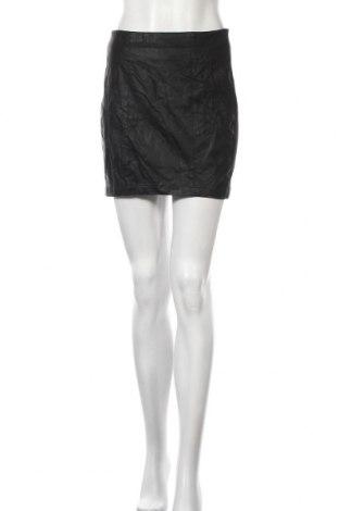 Пола Takko Fashion, Размер L, Цвят Черен, Еко кожа, памук, полиестер, еластан, Цена 15,17лв.