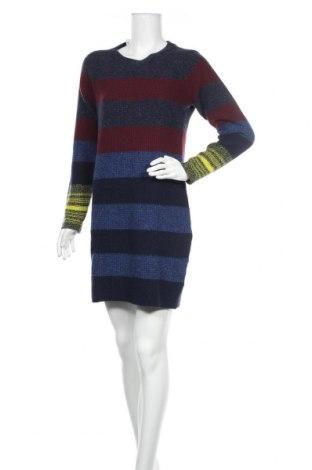 Рокля Lacoste, Размер M, Цвят Многоцветен, Вълна, Цена 54,60лв.