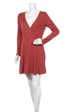 Рокля Miss Shop, Размер M, Цвят Червен, 57% вискоза, 40% полиестер, 3% еластан, Цена 24,99лв.