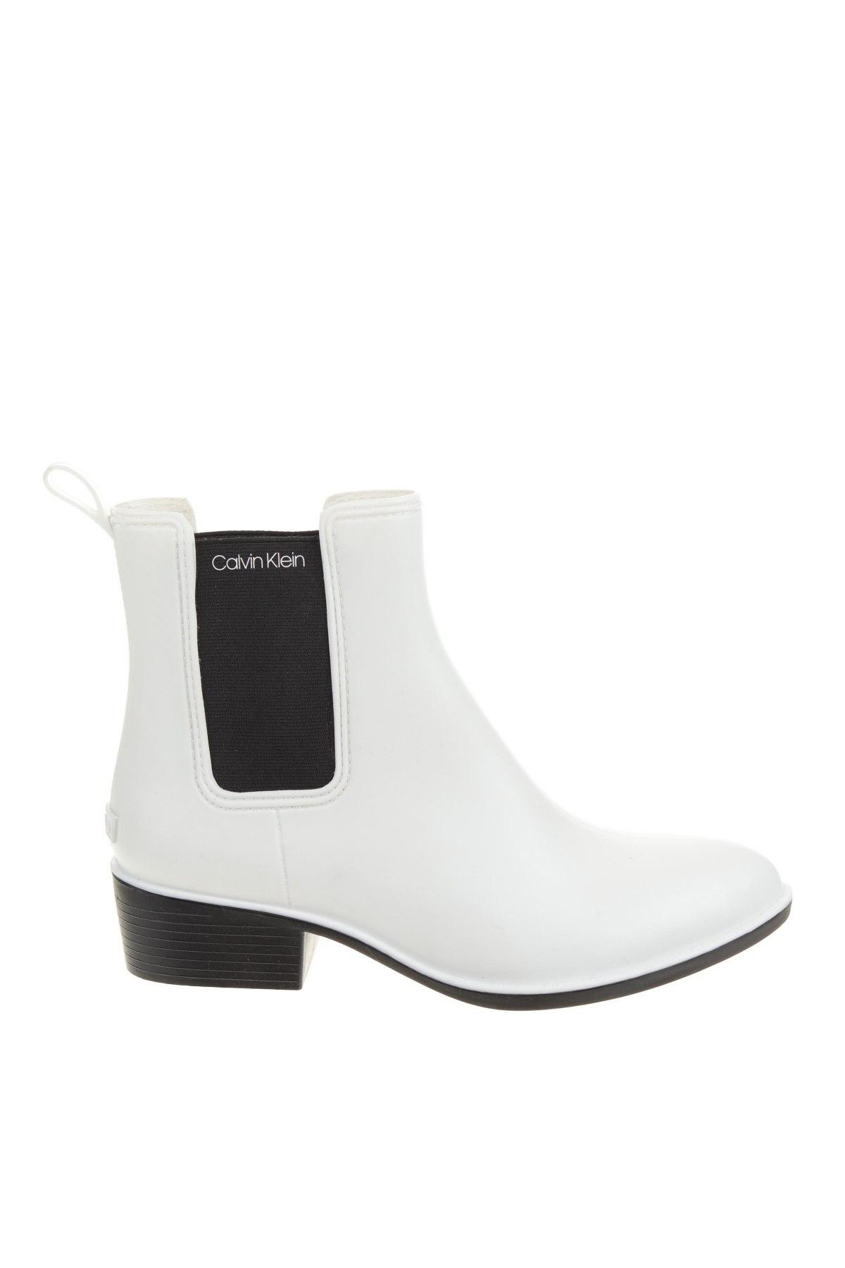 Дамски боти Calvin Klein, Размер 39, Цвят Бял, Полиуретан, Цена 189,00лв.