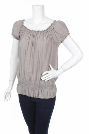 Дамска блуза To Be Famous, Размер S, Цвят Сив, Вискоза, Цена 4,00лв.