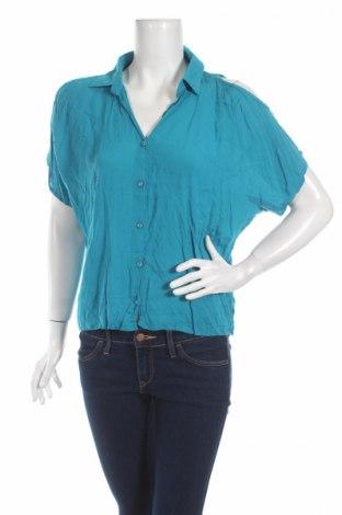 Дамска риза Charlotte Russe, Размер L, Цвят Син, Вискоза, Цена 4,59лв.