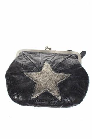 Дамска чанта FREDsBRUDER, Цвят Черен, Естествена кожа, Цена 55,65лв.
