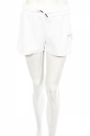 Дамски къс панталон Adidas Originals, Размер L, Цвят Бял, 100% полиестер, Цена 89,00лв.
