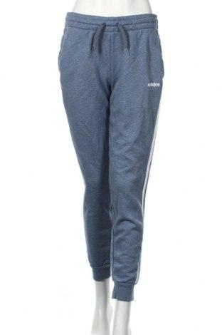 Pantaloni trening de femei Adidas, Mărime M, Culoare Albastru, 70% bumbac, 30% poliester, Preț 187,58 Lei