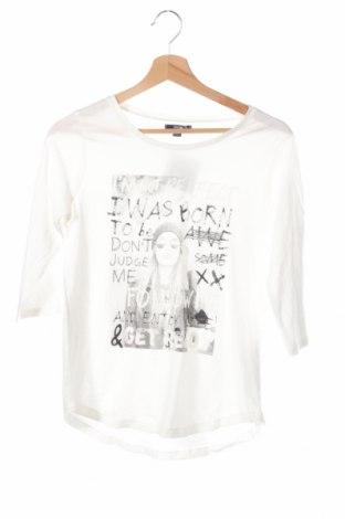 Детска блуза Kiabi, Размер 11-12y/ 152-158 см, Цвят Бял, 50% памук, 50% вискоза, Цена 4,20лв.
