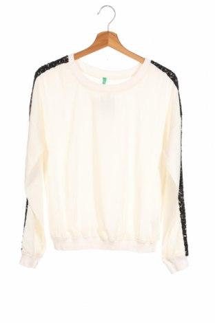 Детска блуза United Colors Of Benetton, Размер 15-18y/ 170-176 см, Цвят Бял, Полиестер, Цена 17,85лв.