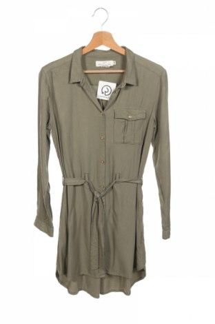 Dětské šaty  H&M L.o.g.g, Rozměr 13-14y/ 164-168 cm, Barva Zelená, 100% viskóza, Cena  344,00Kč