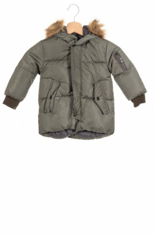 Детско яке Zara, Размер 18-24m/ 86-98 см, Цвят Зелен, Полиестер, пух и пера, Цена 113,52лв.