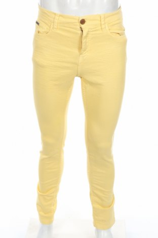 Мъжки дънки Pull&Bear, Размер S, Цвят Жълт, Цена 34,65лв.