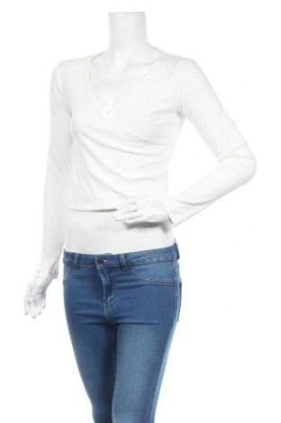 Дамска блуза Bardot, Размер M, Цвят Бял, 72% полиестер, 23% вискоза, 5% еластан, Цена 6,66лв.