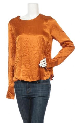 Дамска блуза Bruuns Bazaar, Размер M, Цвят Оранжев, Вискоза, Цена 8,40лв.