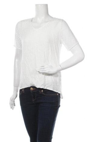 Дамска блуза Object, Размер M, Цвят Бял, Вискоза, Цена 16,34лв.