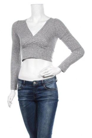 Дамска блуза SHEIN, Размер M, Цвят Сив, 70% полиестер, 25% еластан, 5% вискоза, Цена 12,60лв.