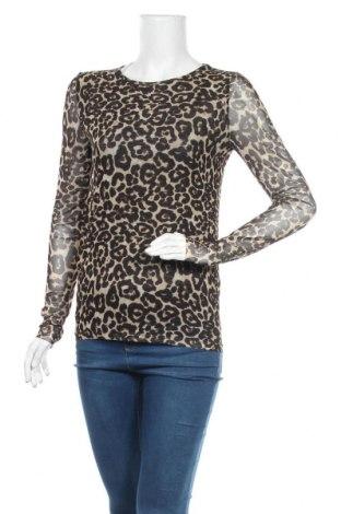 Дамска блуза Soaked In Luxury, Размер XS, Цвят Многоцветен, 94% полиестер, 6% еластан, Цена 17,33лв.