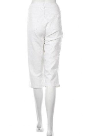 Дамски дънки Beach Time, Размер XL, Цвят Бял, 98% памук, 2% еластан, Цена 17,86лв.