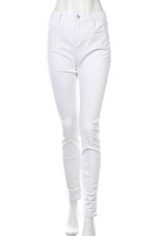 Дамски дънки Esprit, Размер L, Цвят Бял, 98% памук, 2% еластан, Цена 31,80лв.
