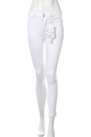 Дамски дънки Haily`s, Размер M, Цвят Бял, 70% памук, 28% полиестер, 2% еластан, Цена 39,33лв.