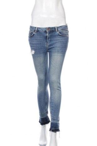 Дамски дънки Mango, Размер S, Цвят Син, 98% памук, 2% еластан, Цена 27,00лв.