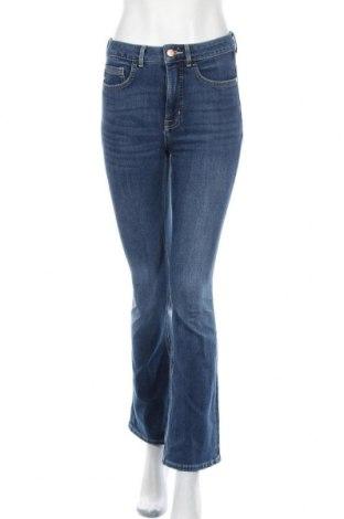 Дамски дънки Marks & Spencer, Размер M, Цвят Син, 96% памук, 4% еластан, Цена 43,50лв.