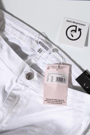 Дамски дънки Missguided, Размер L, Цвят Бял, 98% памук, 2% еластан, Цена 21,83лв.