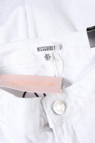 Дамски дънки Missguided, Размер XS, Цвят Бял, 98% памук, 2% еластан, Цена 21,83лв.