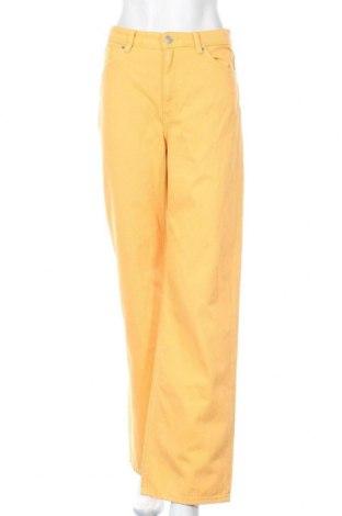 Дамски дънки Monki, Размер M, Цвят Оранжев, 100% памук, Цена 31,92лв.
