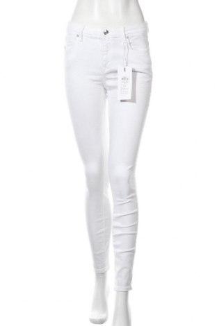 Дамски дънки ONLY, Размер M, Цвят Бял, 92% памук, 8% еластан, Цена 20,37лв.