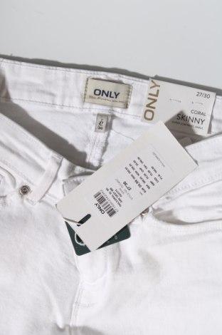 Дамски дънки ONLY, Размер M, Цвят Бял, 98% памук, 2% еластан, Цена 10,01лв.
