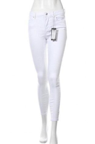 Дамски дънки Vero Moda, Размер M, Цвят Бял, 79% памук, 18% полиестер, 3% еластан, Цена 15,34лв.