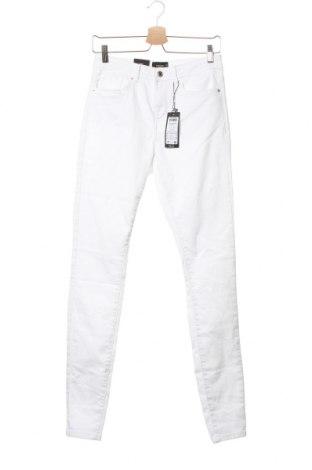 Дамски дънки Vero Moda, Размер S, Цвят Бял, 79% памук, 18% полиестер, 3% еластан, Цена 15,34лв.