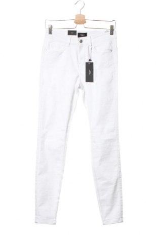 Дамски дънки Vero Moda, Размер M, Цвят Бял, 66% памук, 32% полиестер, 2% еластан, Цена 21,83лв.