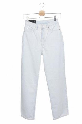 Дамски дънки Weekday, Размер XS, Цвят Син, 100% памук, Цена 34,15лв.
