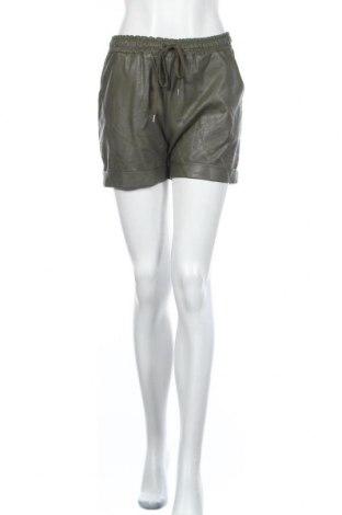 Дамски къс кожен панталон Creme Fraiche, Размер M, Цвят Зелен, Еко кожа, Цена 12,08лв.