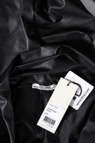 Дамски клин LOVE2WAIT, Размер L, Цвят Черен, Полиуретан, Цена 40,02лв.