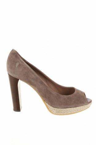 Дамски обувки Boss Orange, Размер 40, Цвят Бежов, Естествен велур, Цена 98,42лв.